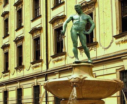 Fencer, Monument, Naked Swordsman, The Background
