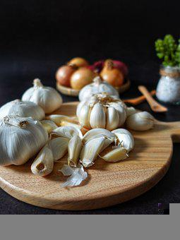 Garlic, Vegetable, Cutting Board, Cloves, Food, Edible