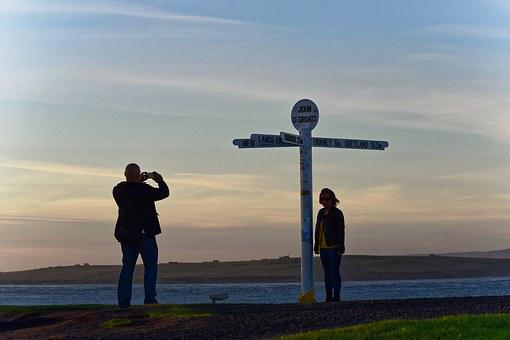 Man, Woman, Camera, John O'groats, Signpost, Attraction