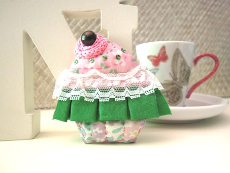 Cupcake, Brooch, Fabric, Sewing, Crafts, Tiptoe