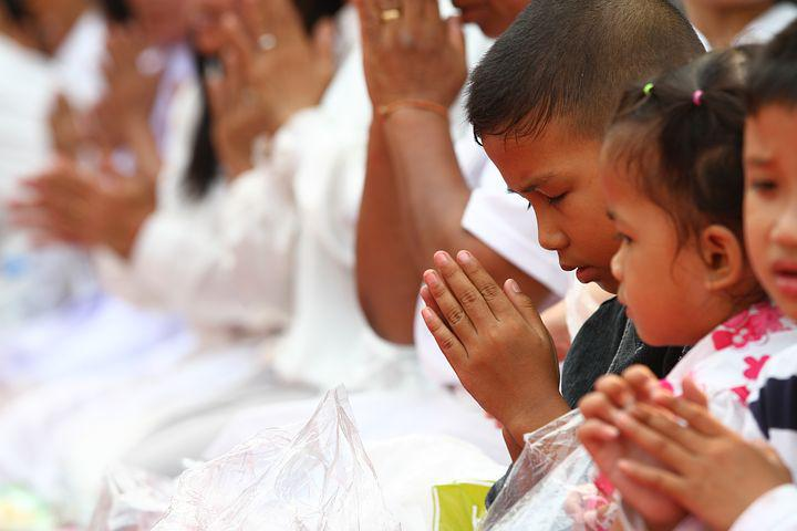 Pray, Buddhists, Rose Petals, Walk, Monks, Tradition