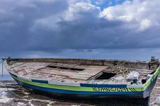 Boat, Wooden, Abandoned, Sand, Beach, Clouds, Horizon
