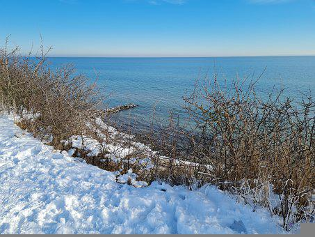 Cliff, Brodau, Winter, Baltic Sea
