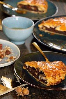 King Cake, Pastry, Food, Dish, Cake, Dessert, Galette