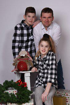 Dad, Siblings, Family, Christmas, Portrait, Festive