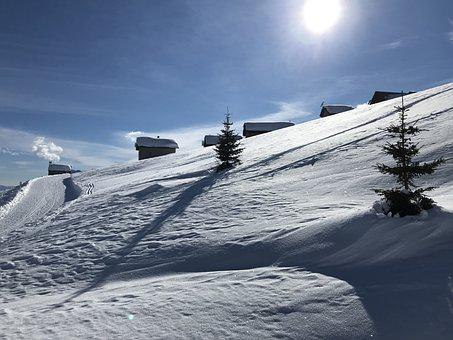 Towards The Tip Of Larescia, Towards The Top Of Gorda