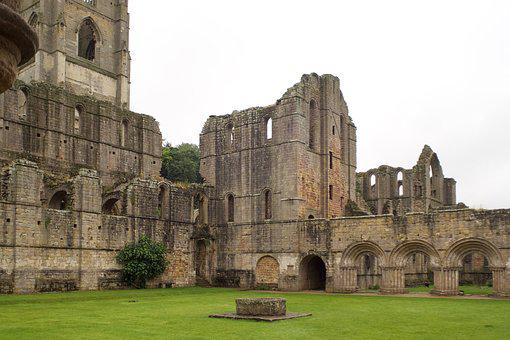 Fountains Abbey, Cistercian Monastery, Ruin