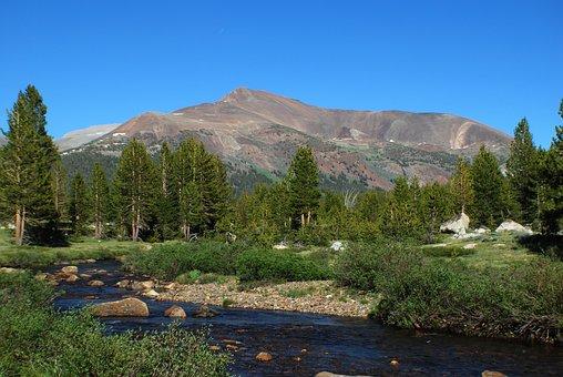 California, Yosemite, Tuolumne Meadows, Volcano, River