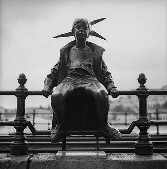 Little Princess, Statue, Budapest, Hungary, Girl
