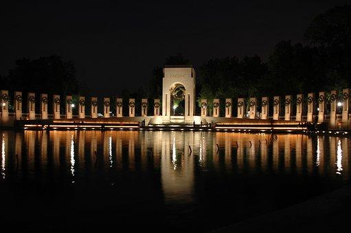 Washington Dc, World War Ii Memorial, Night, Evening