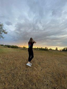 девушка, небо, поле, Girl, Sky, Woman, Nature