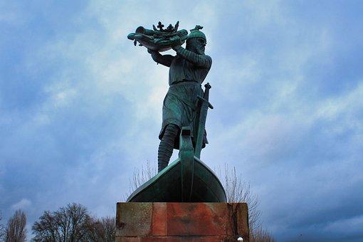Hagen, Monument, Hagen From Tronje, Statue, Germany