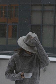 Woman, Fashion, Snow, Hat, Sweater, Gray Sweater