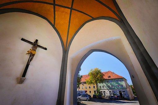 Crucifix, Bayertor, Landmark, Interior, City Gate