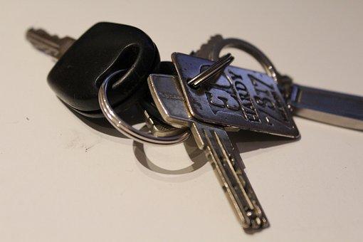Key, Keychain, Door Key, House Keys, Metal, Close To