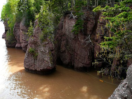 Hopewell Rocks, Bay Of Fundy, Nova Scotia, Canada