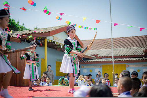 Hmong, Girls, Musical Instruments, Stage, Performance