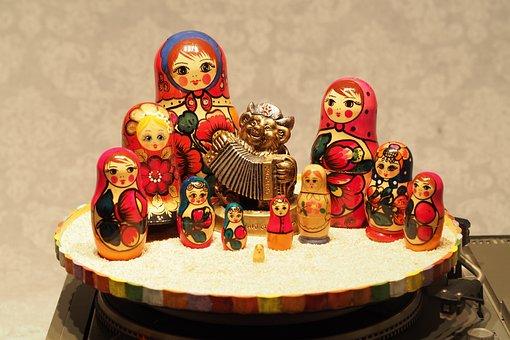 Matryoshka Dolls, Women, Figurines, Music, Dancing
