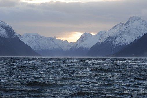Hjørundfjorden, Storfjorden, Winter