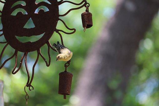 Yard Art, Bird, Yellow, Tan, Black, Sunburst, Rusted