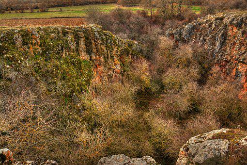Sima Of The Elderberry, Cueva De ágreda, Moncayo