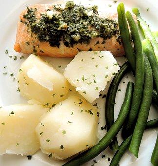 Oven Baked Salmon, Potatoes, Green Beans, Garlic