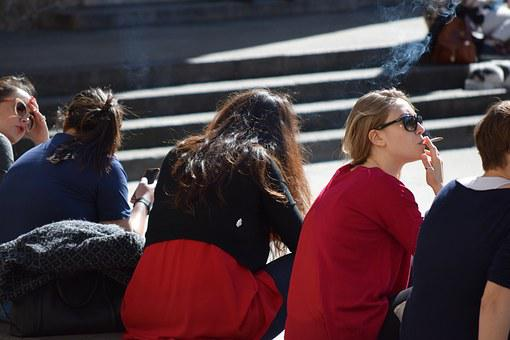 Girls, Relaxation, Milan, Italy, Fun, Rest, Small Talk