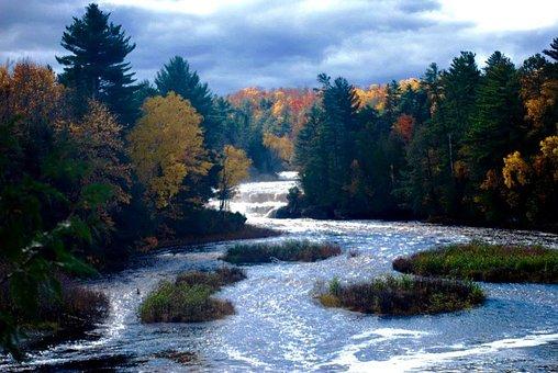 Lower Tahquamenon Falls, Michigan, Upper Peninsula