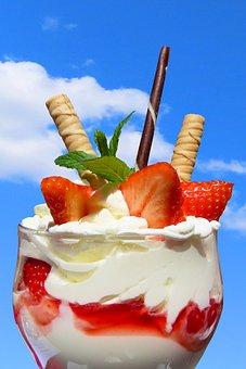 Strawberries, Ice Cream, Sundae, Eat, Ice Cream Sundae