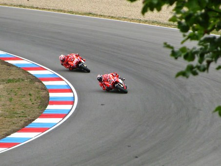 Andrea Dovizioso, Nicki Hayden, Ducati, Race, Racing