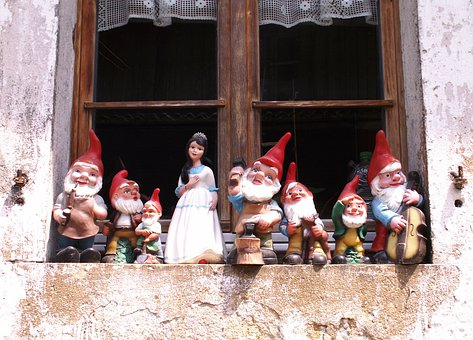 Snow White, Dwarfs, Figures, Window, Cheesy, Colorful