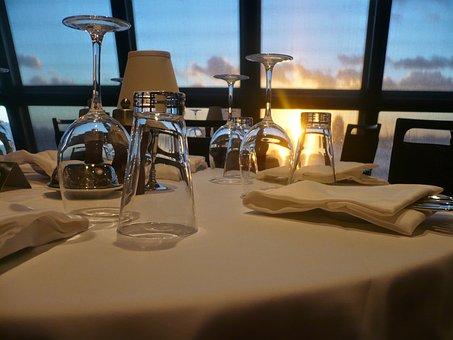 Restaurant, Glasses, Drink, Lichtspiel, Wine Glasses