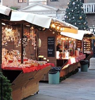 Flea Market, Christmas, Verona, Piazza Dei Signori