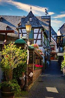 Rüdesheim, Town, Street, Alley, Half-timbered Buildings