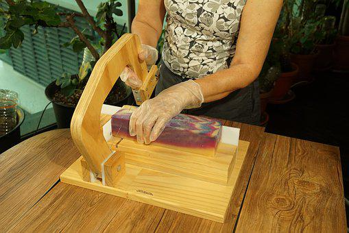 Soap Making, Slicing Soap, Hobbyist, Workshop