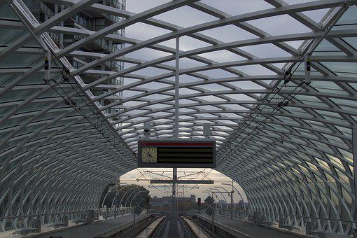 Metro Station, Cashier Cs, Architecture