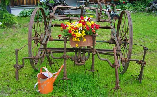Old Farm Tool, Iron Garden Decor, Old Watering Cans
