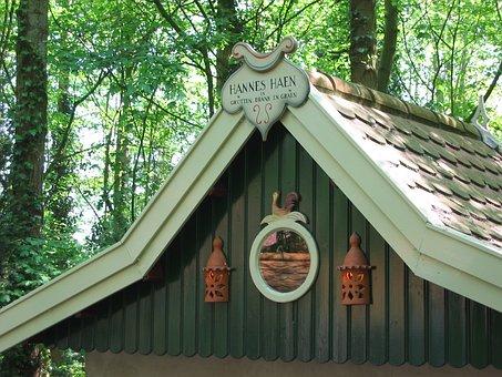Enchanted Forest, K Cottage, Hannes H