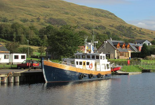 Scotland, Caledonian Canal, Fort William