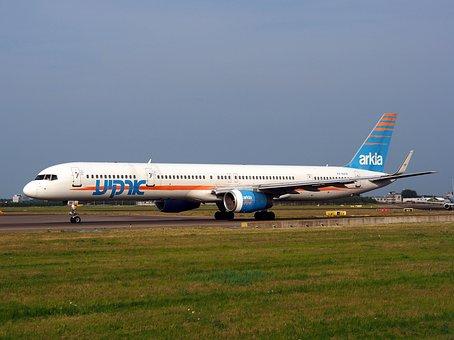 Boeing 757, Israeli Airlines, Taxiing, Airport