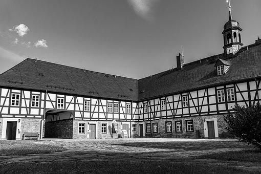 Herrenhof Erlahammer, Architecture, Building