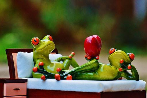 Frog, Love, Bed, Bedside Table, Heart, Figure, Funny