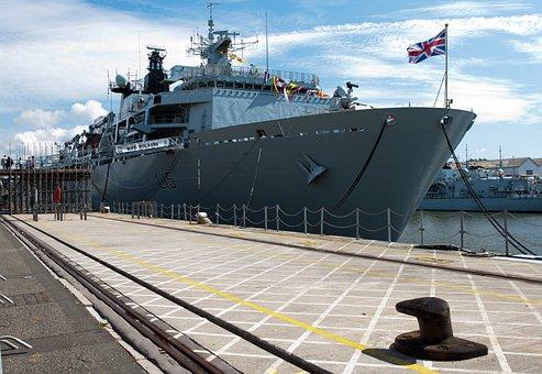 Hms Bulwark, Amphibious Dock, 560 Tonnes