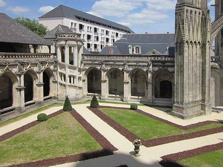 St Gatien Cathedral, Cloitre De La Psalette, Cloister