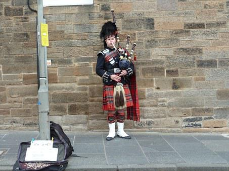 Street Artists, Street Musicians, Kilt, Bagpipes
