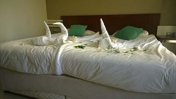 Double Bed, Bed, Decorated, Vacations, Hotel, Bed Sheet