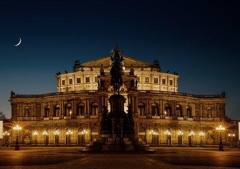 Dresden, Semper Opera House, Historically, At Night