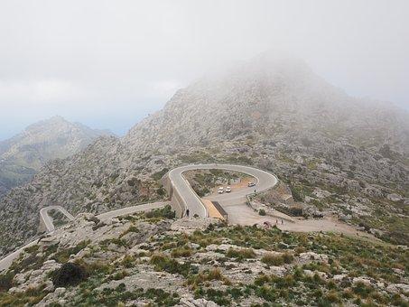 Karst Area, Mallorca, Nus De Sa Corbata