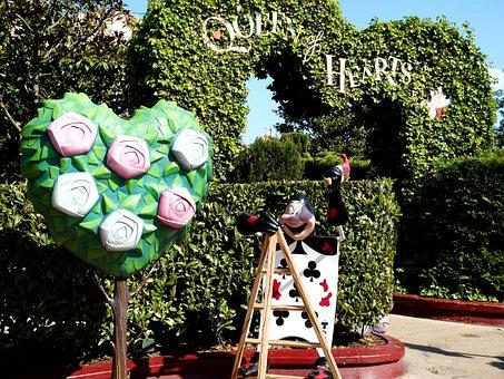 Alice In Wonderland, Queen Of Hearts, Maze, Disneyland
