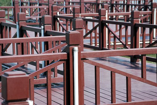 Railing, Maze, Wood, Structure, Walkway, Outdoors